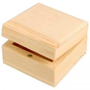 houten kistje of doosje voor houtbranden of graveren met brandpen